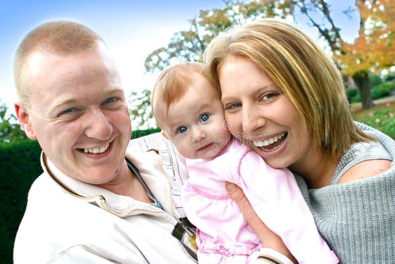 детеныши девушки семьи младенца стоковое фото