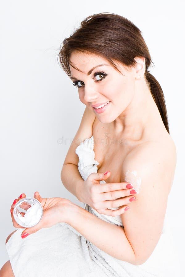 детеныши женщины брюнет стоковые изображения