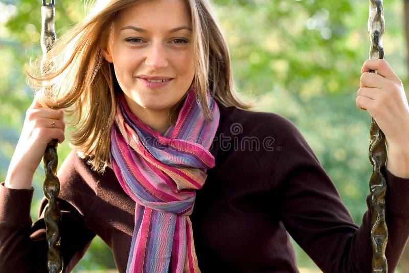Download детеныши женщины качания стоковое фото. изображение насчитывающей актеров - 478246