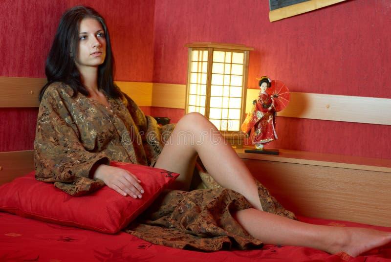 детеныши женщины кимоно стоковая фотография