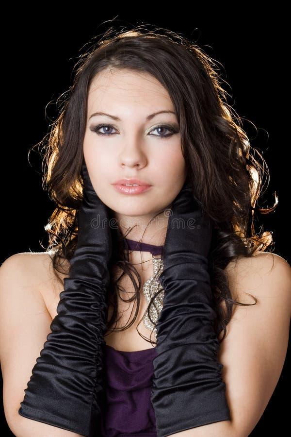 детеныши женщины красивейшего платья лиловые стоковое фото