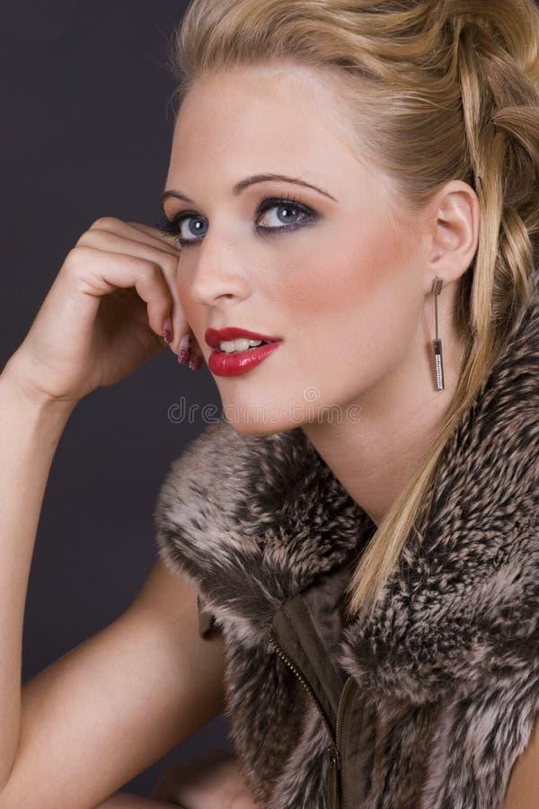 детеныши женщины красивейшего портрета сексуальные стоковая фотография