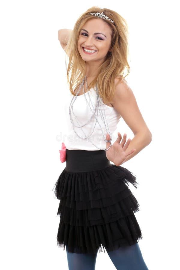 детеныши женщины красивейшей счастливой балетной пачки тиары нося стоковое фото rf