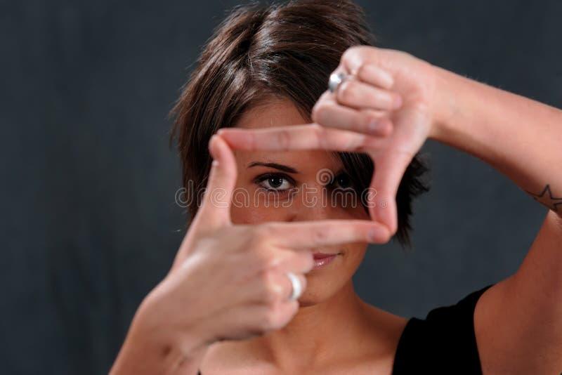 детеныши женщины фокуса стоковые фотографии rf
