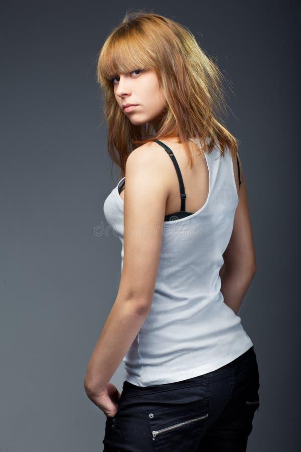 детеныши женщины фото джинсыов чувственные стоковые изображения rf
