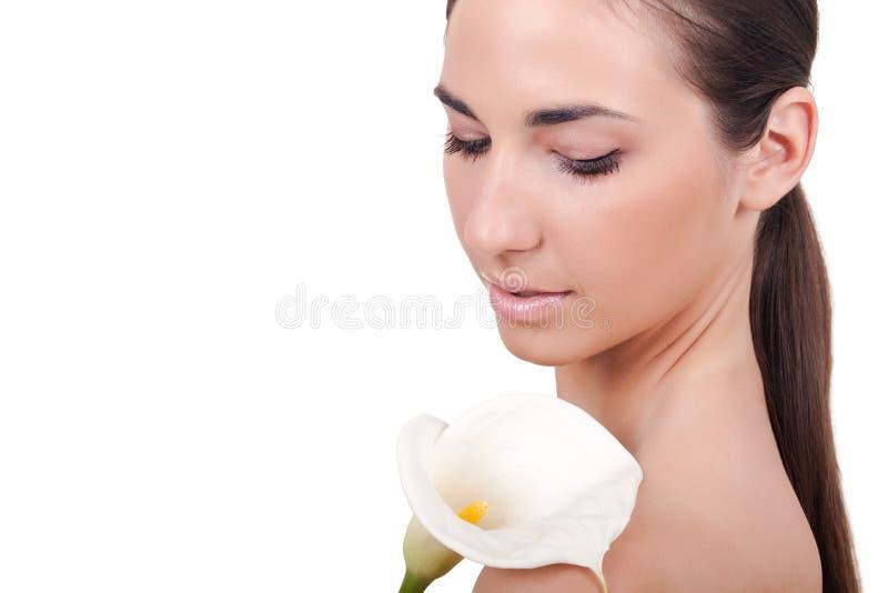 Download детеныши женщины цветка стоковое изображение. изображение насчитывающей губы - 18388777