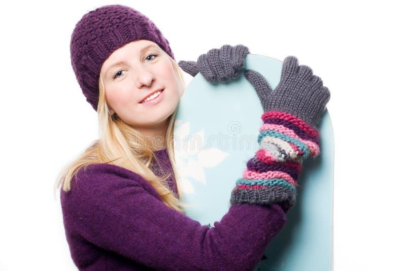 детеныши женщины snowboard красотки стоковые фотографии rf