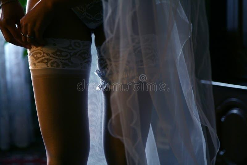 детеныши невесты prepearing стоковое изображение rf