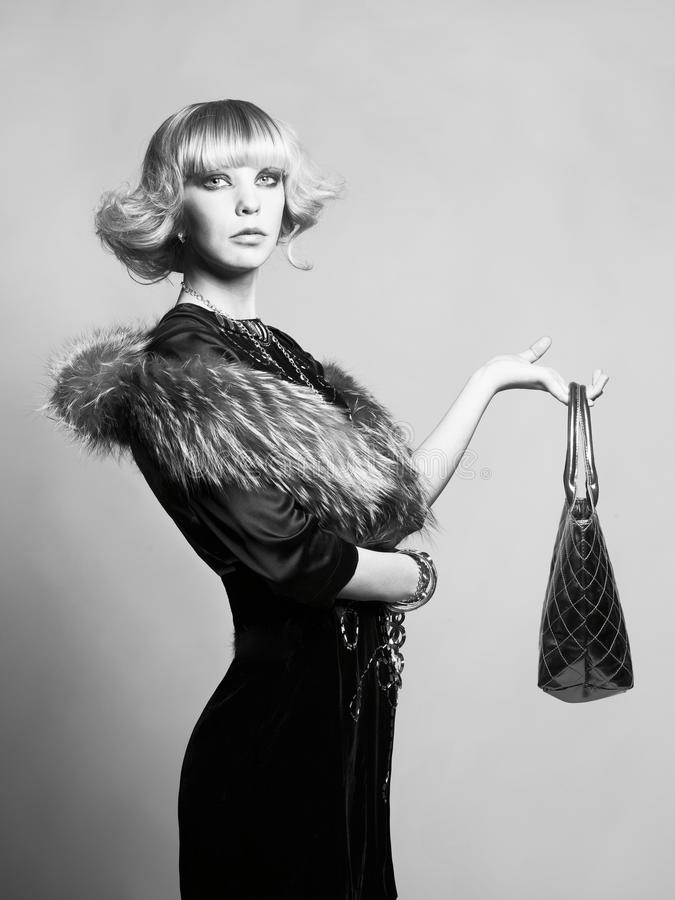 детеныши повелительницы красивейшего платья шикарные стоковая фотография rf