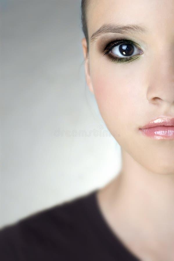 детеныши портрета девушки стоковая фотография rf