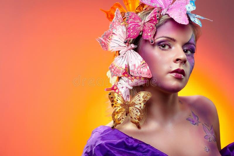 детеныши портрета способа красотки цветастые стоковое изображение