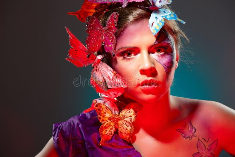детеныши портрета способа красотки цветастые стоковые изображения