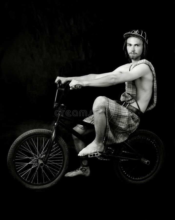 детеныши человека bmx bike стоковое фото