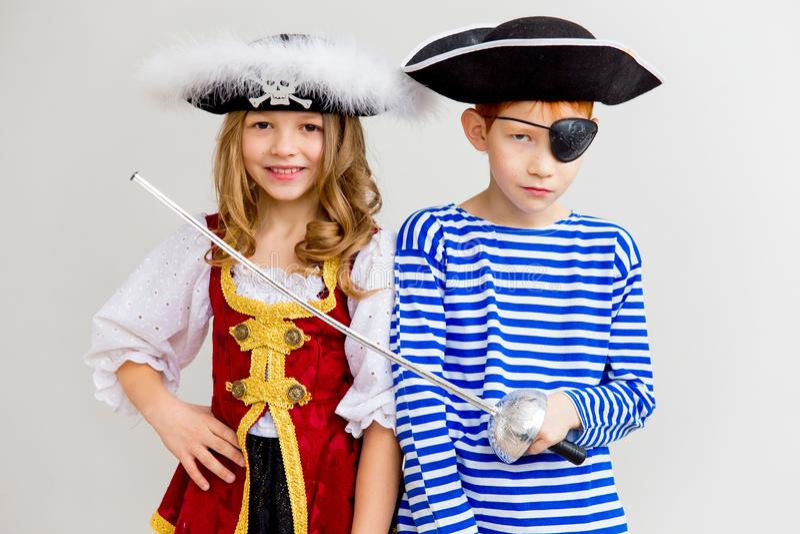 Дети в костюме пирата стоковое фото rf