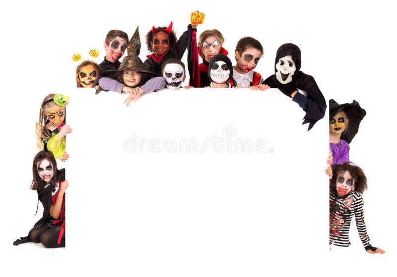 Дети в хеллоуине стоковые изображения rf