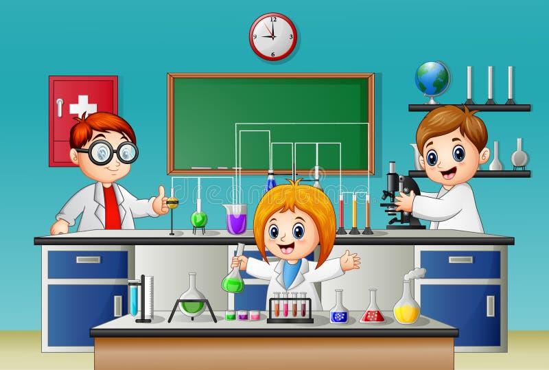 Дети делая эксперимент в лаборатории иллюстрация вектора