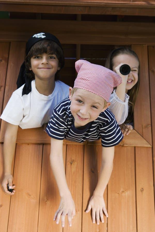 Дети играя в театре стоковые фотографии rf