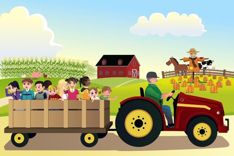 Дети идя на hayride в ферме с кукурузными полями в backgr бесплатная иллюстрация