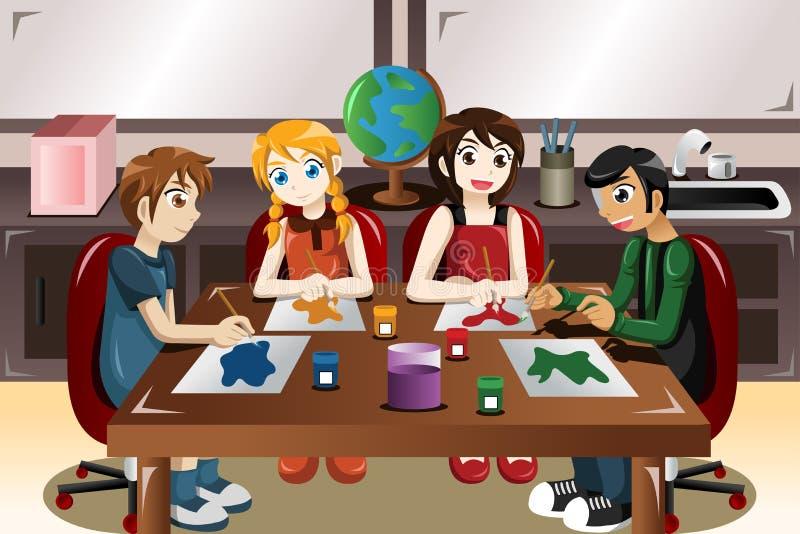 Дети крася совместно в художественном классе бесплатная иллюстрация
