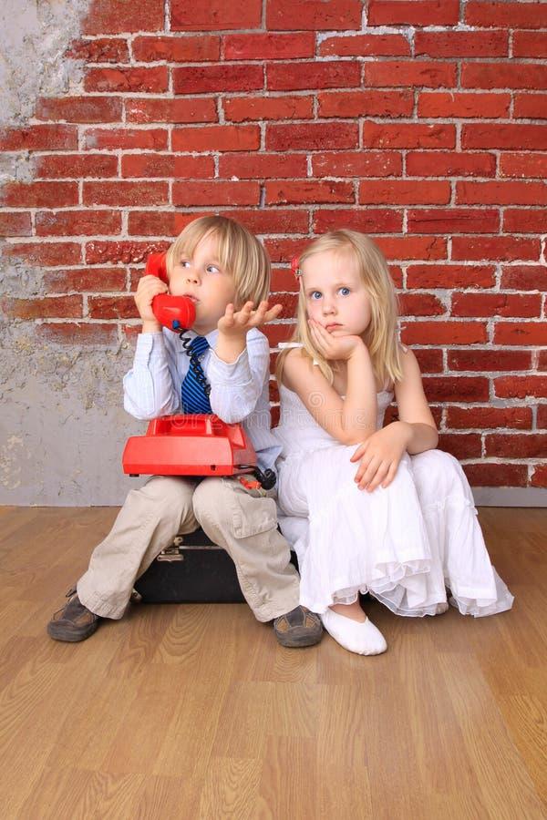 дети мешка красивейшие сидят стоковое изображение rf