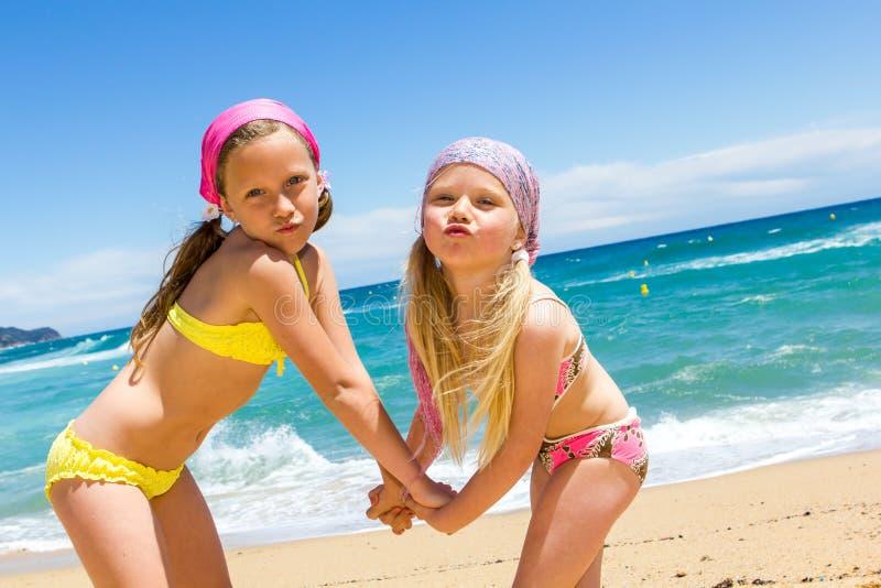 Фото малолетки на пляже i