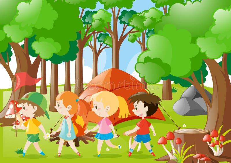 Дети располагаясь лагерем вне в древесинах иллюстрация штока