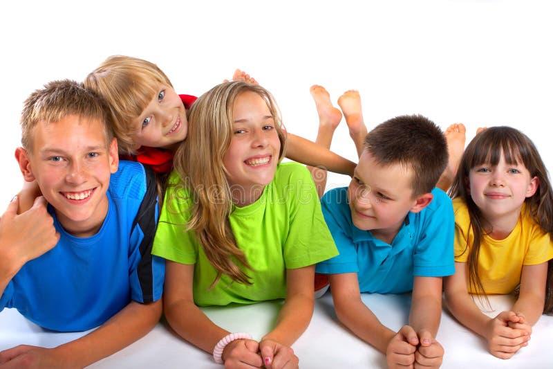 дети счастливые стоковое изображение