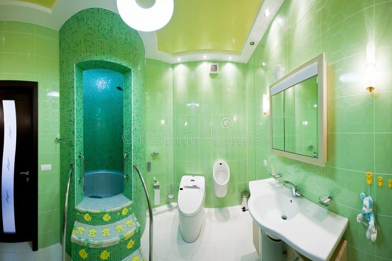 дети s ванной комнаты стоковые изображения