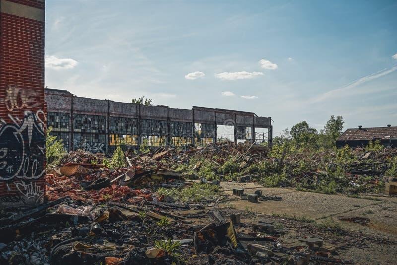 Детройт, Мичиган, Соединенные Штаты - октябрь 2018: Взгляд получившегося отказ завода Packard автомобильного в Детройт Packard стоковые фото