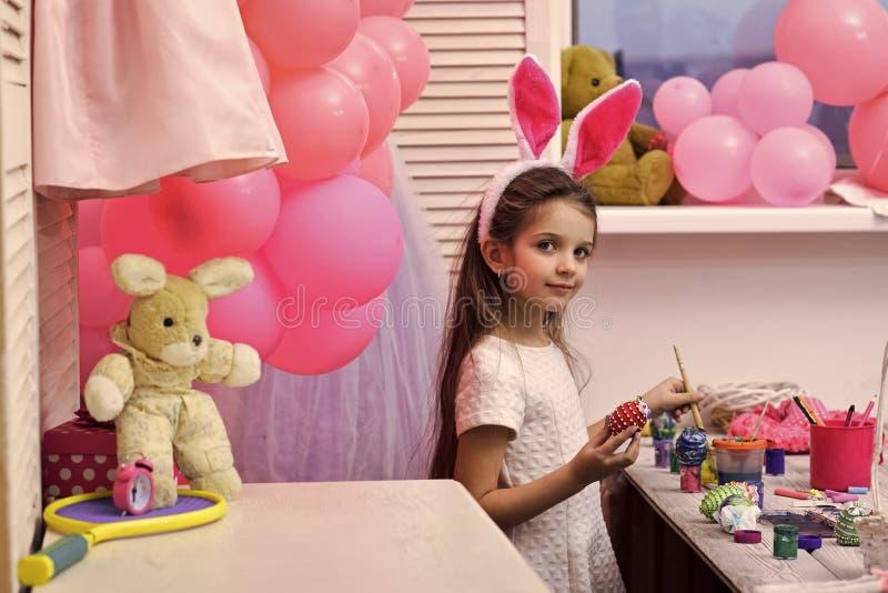Детство, счастливая пасха, семья, праздник весны стоковое фото rf