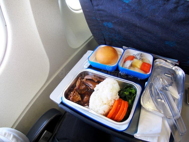 Дешевое меню пассажира самолета эконом-класса низкой цены стоковая фотография rf