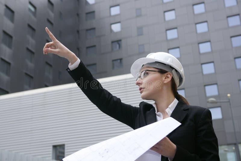 деятельность женщины зданий архитектора напольная стоковое изображение