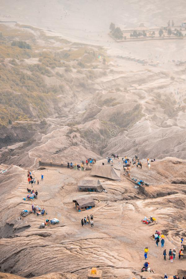 Деятельность на горе Bromo от верхней части стоковая фотография rf
