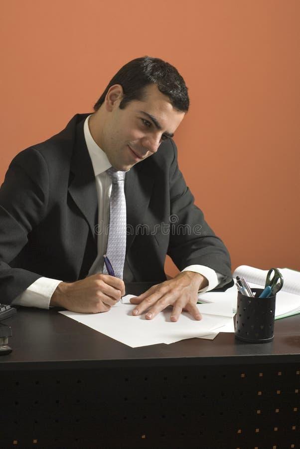 деятельность обработки документов бизнесмена горизонтальная стоковое изображение