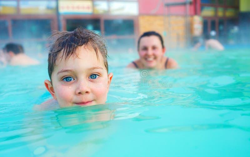 Деятельность на бассейне стоковое фото
