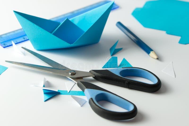 Делать шлюпки Origami стоковое изображение rf