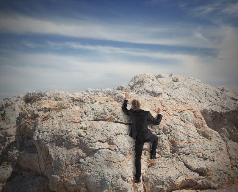 Download Дело взбирается гора стоковое фото. изображение насчитывающей hiking - 37925706