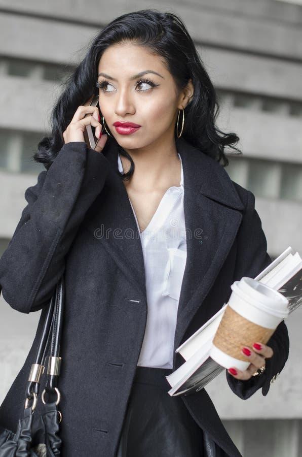 Дело студента молодой женщины красоты экзотическое стоковая фотография rf