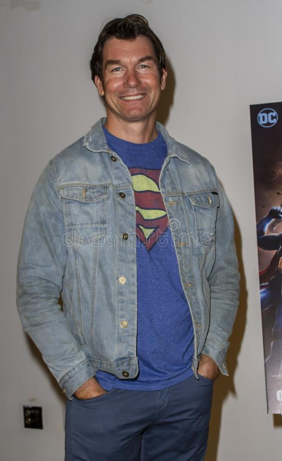 Джерри O'Connell на премьере царствования суперменов стоковое изображение