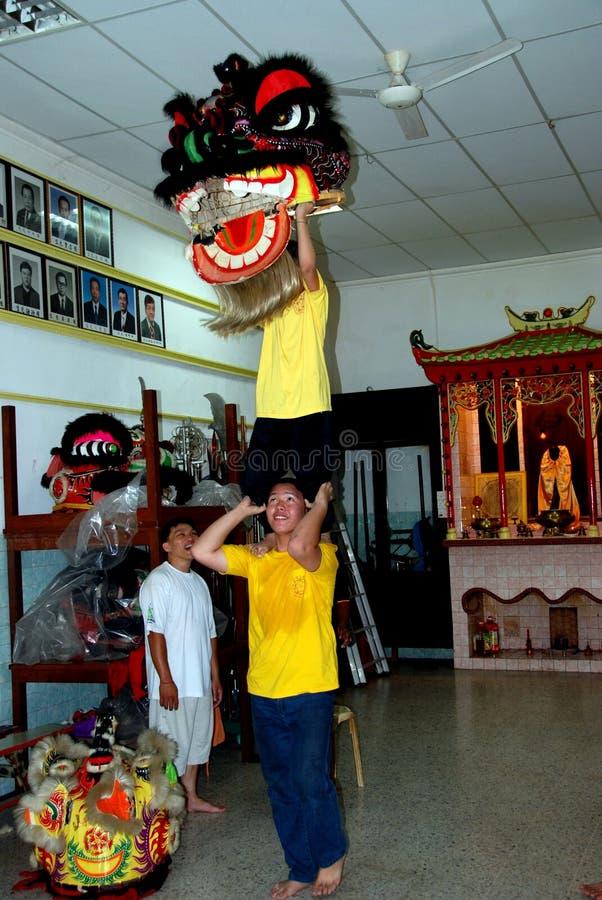 Джорджтаун, Малайзия: Школа танцев льва стоковые изображения