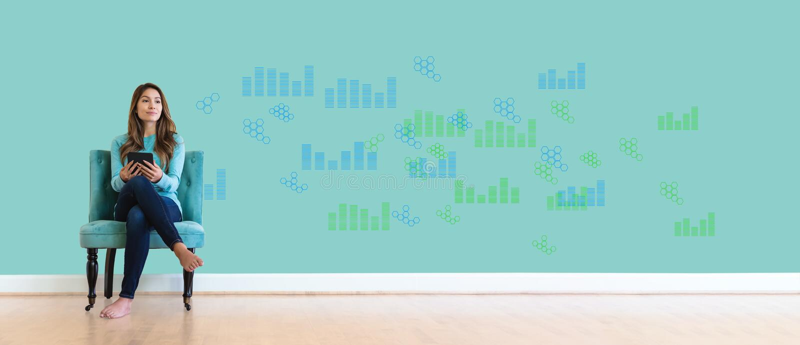 Диаграммы цифров и решетки шестиугольника с молодой женщиной стоковые изображения