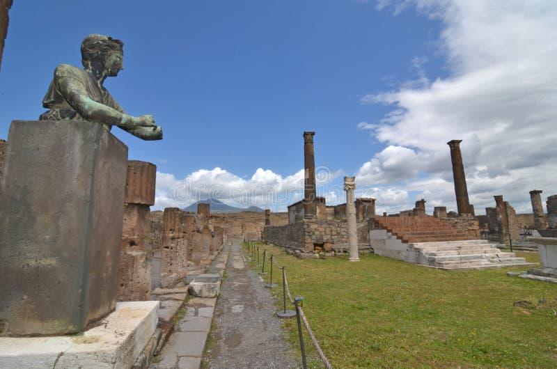 Диана и Vesuvius стоковые фото