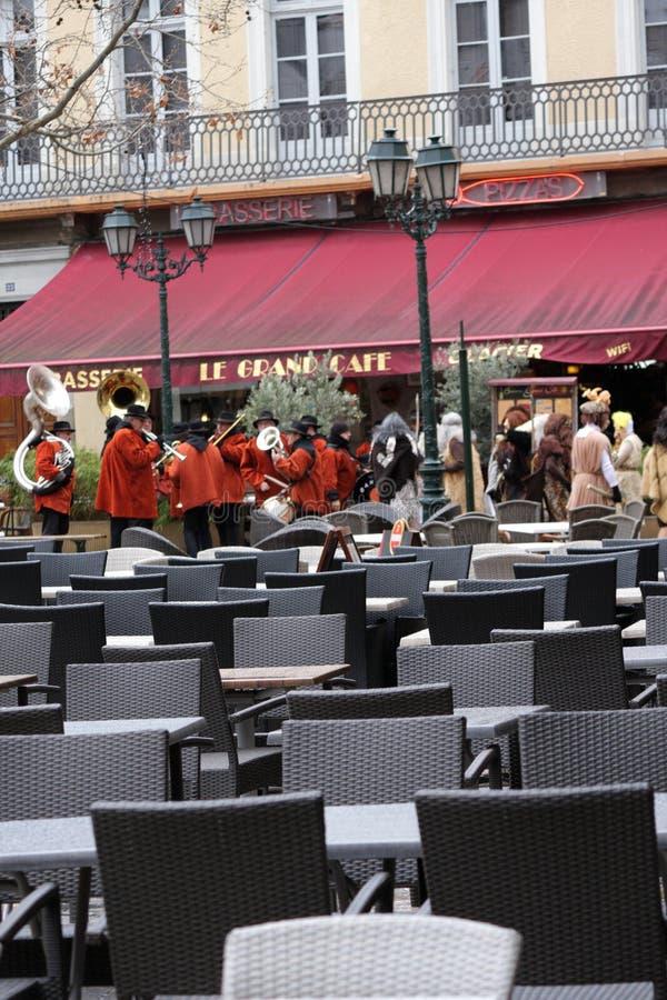 Диапазон музыканта во время масленицы Limoux стоковые изображения