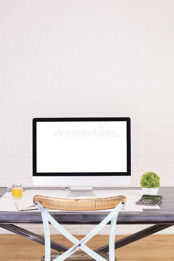 Дизайнерский стул настольного компьютера и антиквариата стоковое изображение