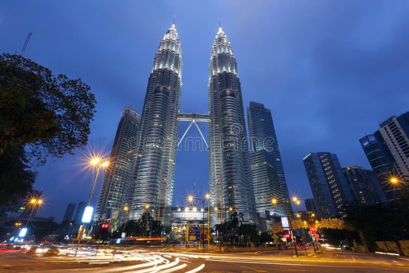 Дизайн Башен Близнецы Petronas внешний стоковые фотографии rf