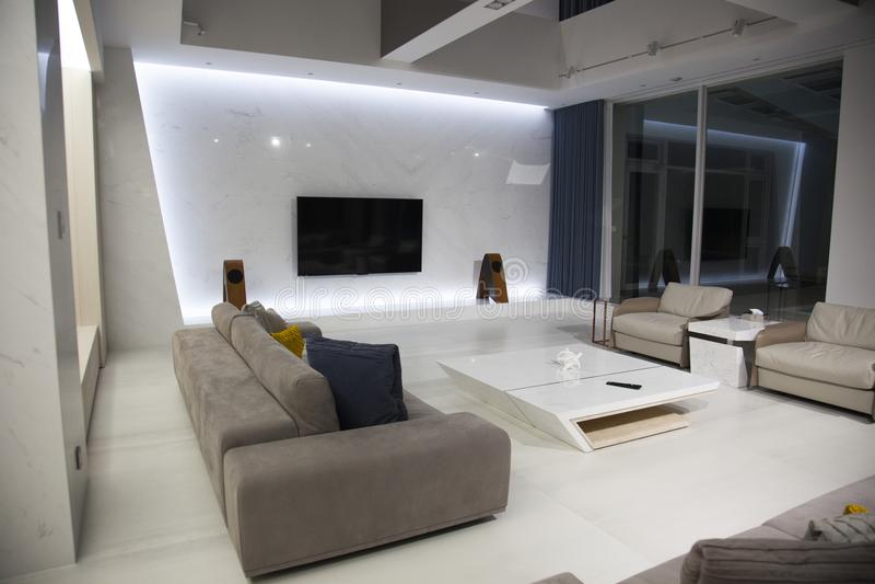 Дизайн интерьера, живущая комната, сверстница, внутренняя стоковые изображения rf