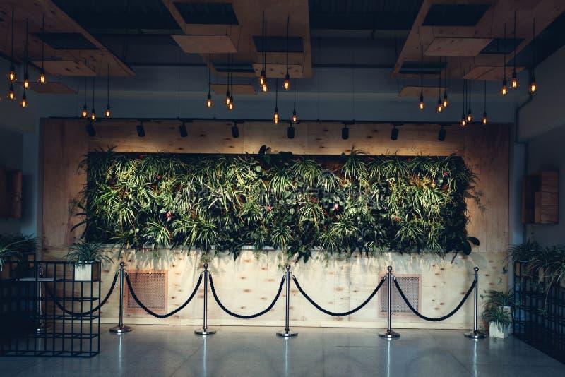Дизайн интерьера современного лобби гостиницы Зала торгового центра Прихожая делового центра стоковое изображение