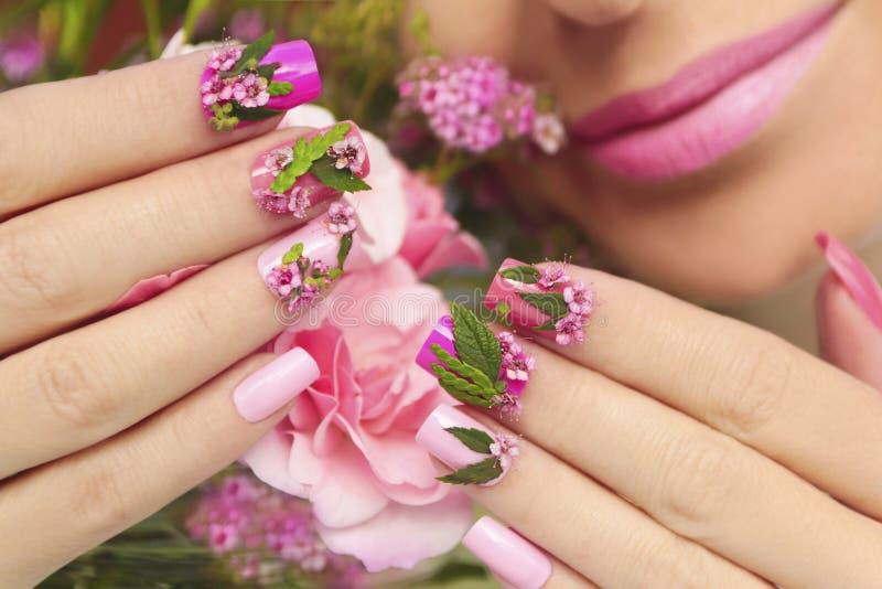 Дизайн ногтя лета стоковые изображения rf