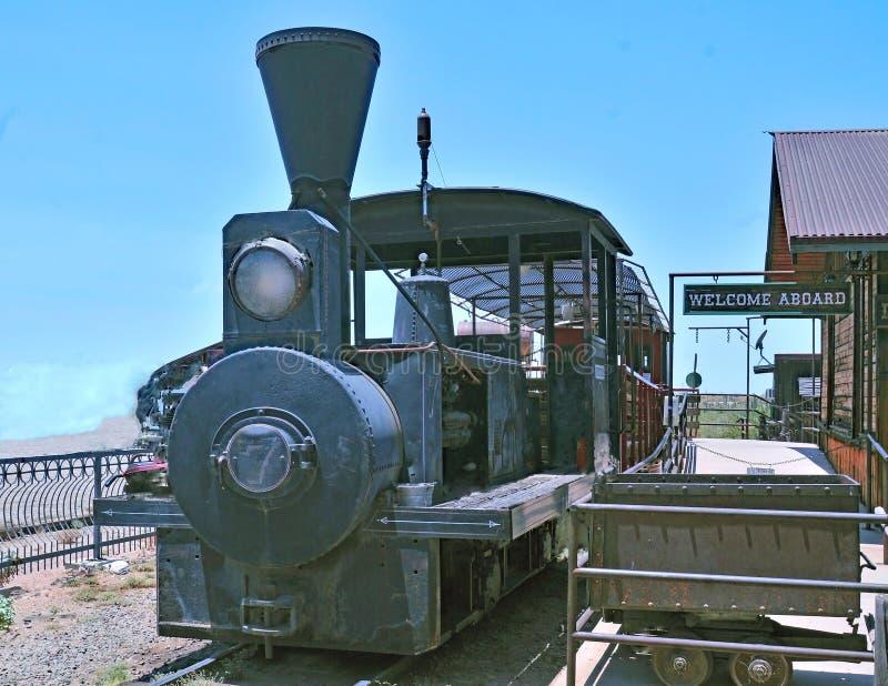 Дизельный использующий энергию локомотив на город-привидении Goldfield стоковые фотографии rf