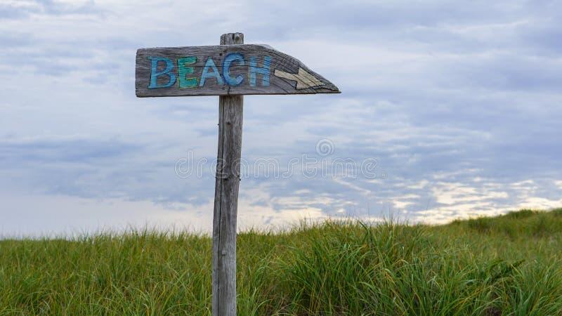 Дирекционная треска накидки Массачусетс знака пляжа Новая Англия стоковые изображения rf
